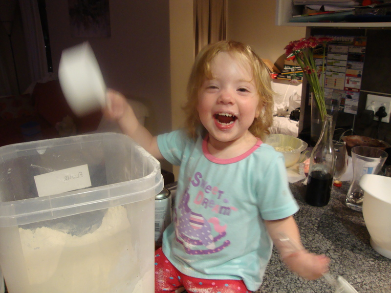 jessica lotter helping mommy bake