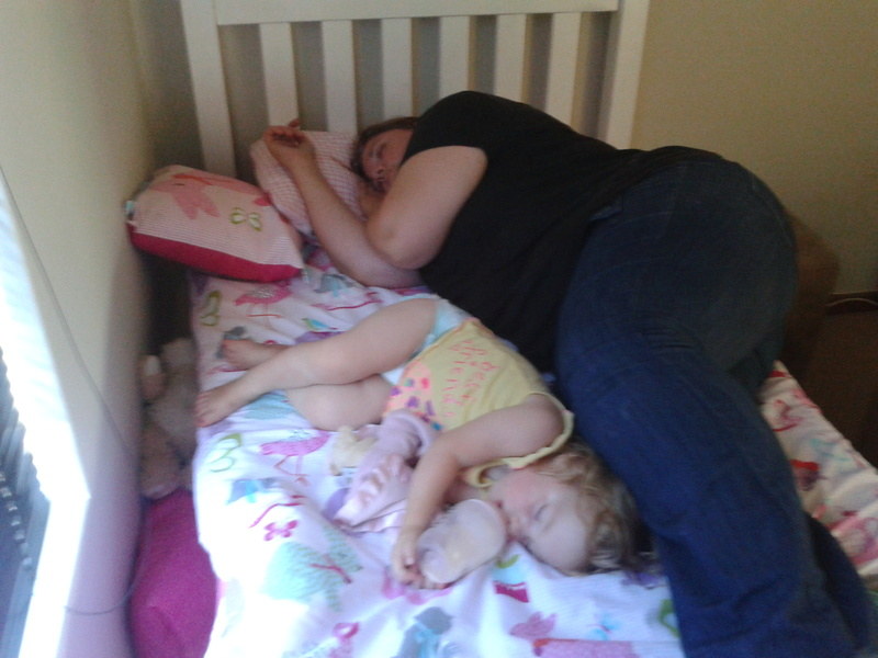 chantelle and jessica lotter testing new single bed