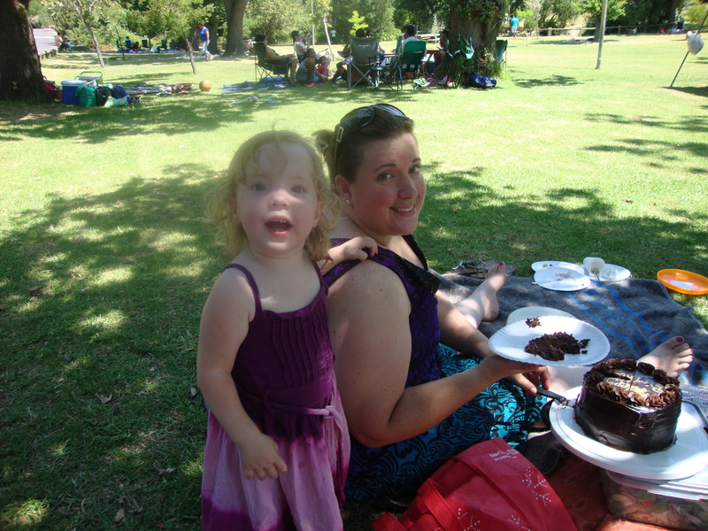 toddler jessica lotter and chantelle lotter at picnic at helderberg nature reserve