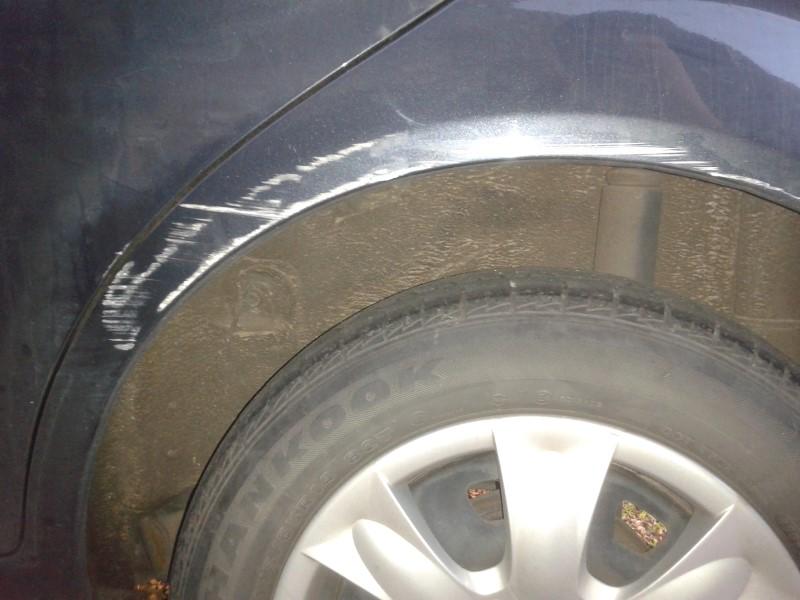 hyundai getz wheel arch scratch 2