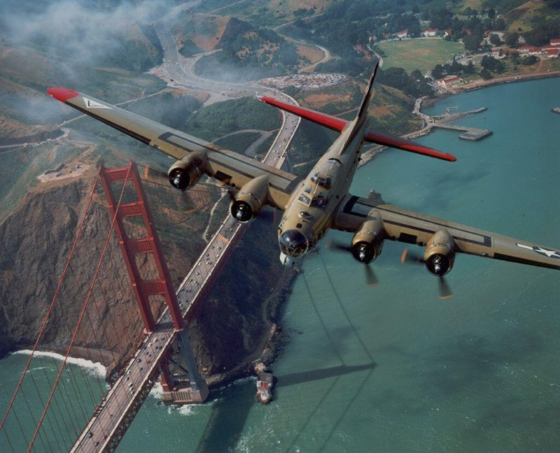 Military Aircraft American Boeing B-17 Flying Fortress