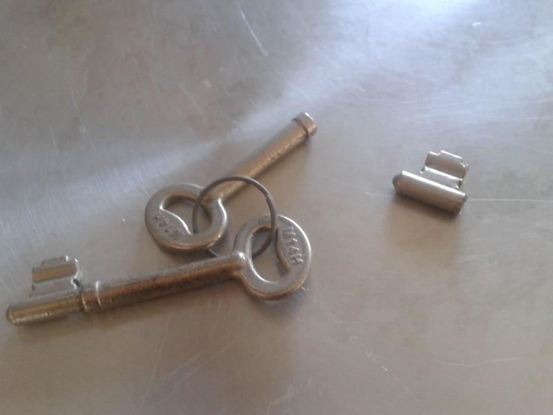 country mews bedroom broken key