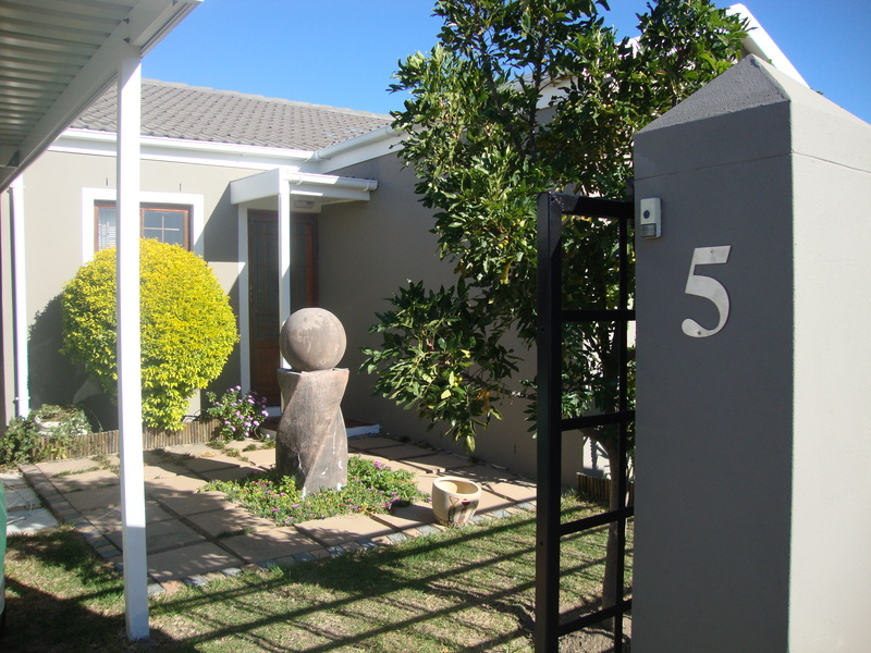 5 country mews home