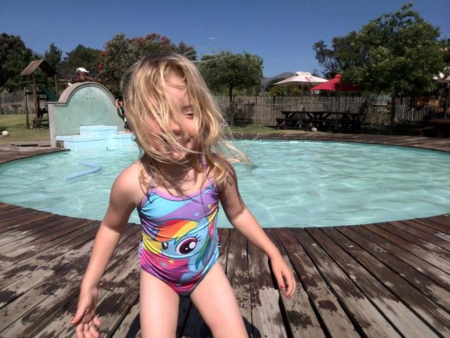 jessica lotter rocking her rainbow dash swimming costume