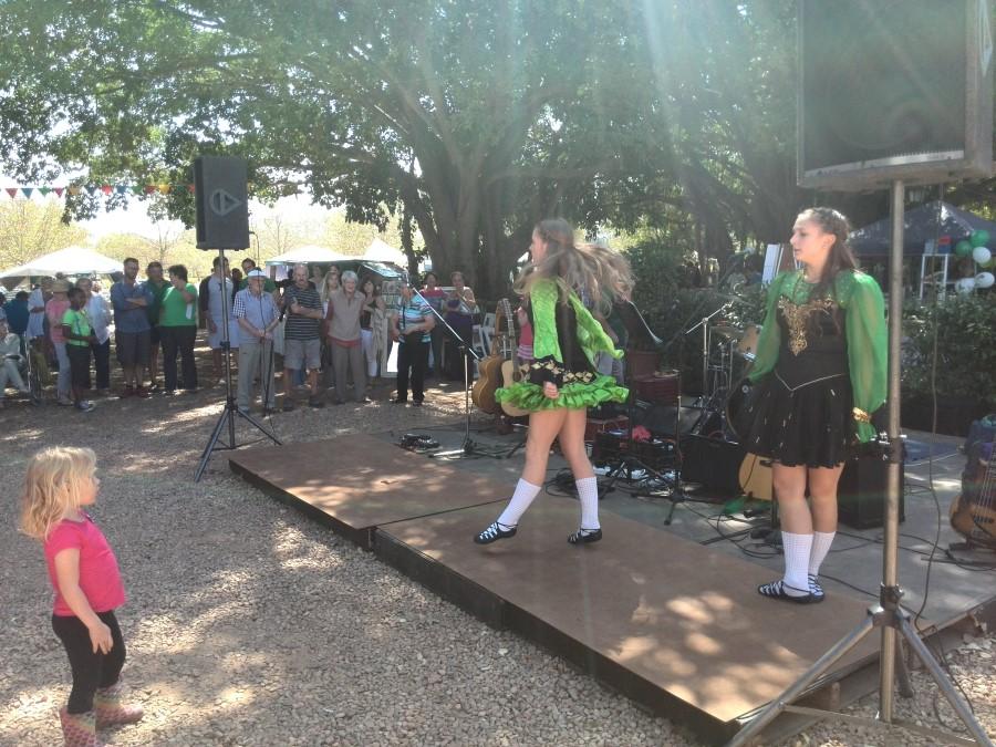IMG_20150315_141420 jessica lotter watching irish dancing girls at blaauwklippen