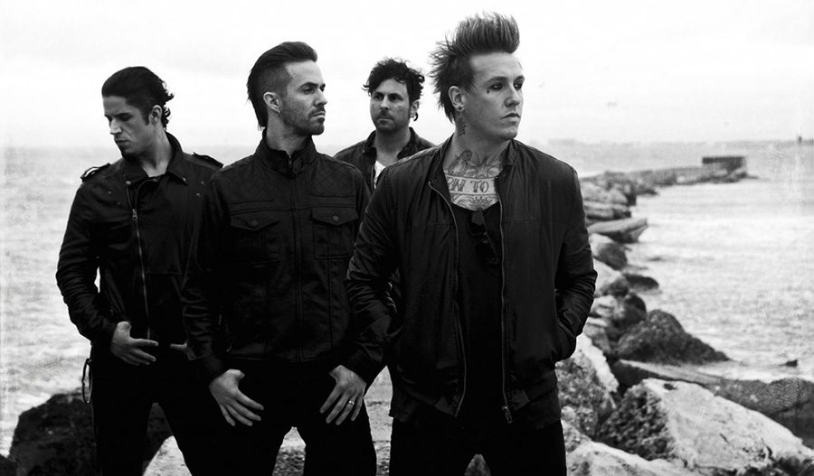 papa roach in black and white at the sea