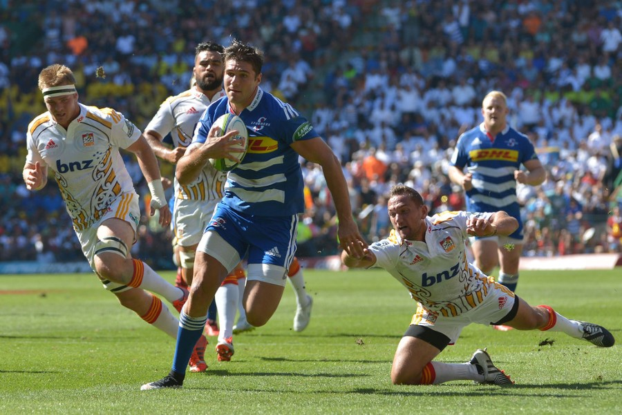 super rugby stormers versus chiefs kobus van wyk running with the ball - newlands march 2015