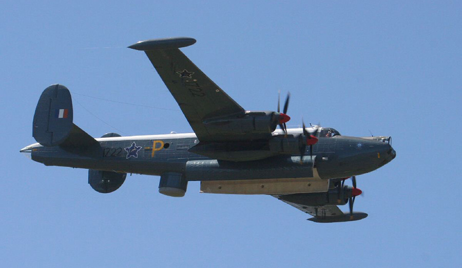 Avro Shakleton maritime patrol aircraft in flight 5