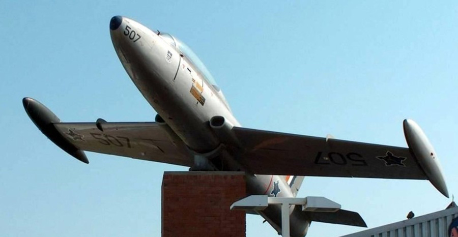 Macchi MB-326 atlas impala jet fighter plane 4