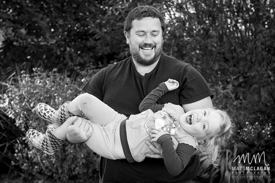 craig lotter carrying his little girl jessica