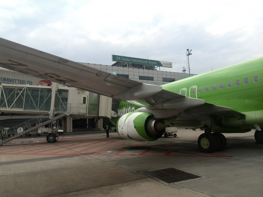 kulula.com boeing 737 from cape town to johannesburg