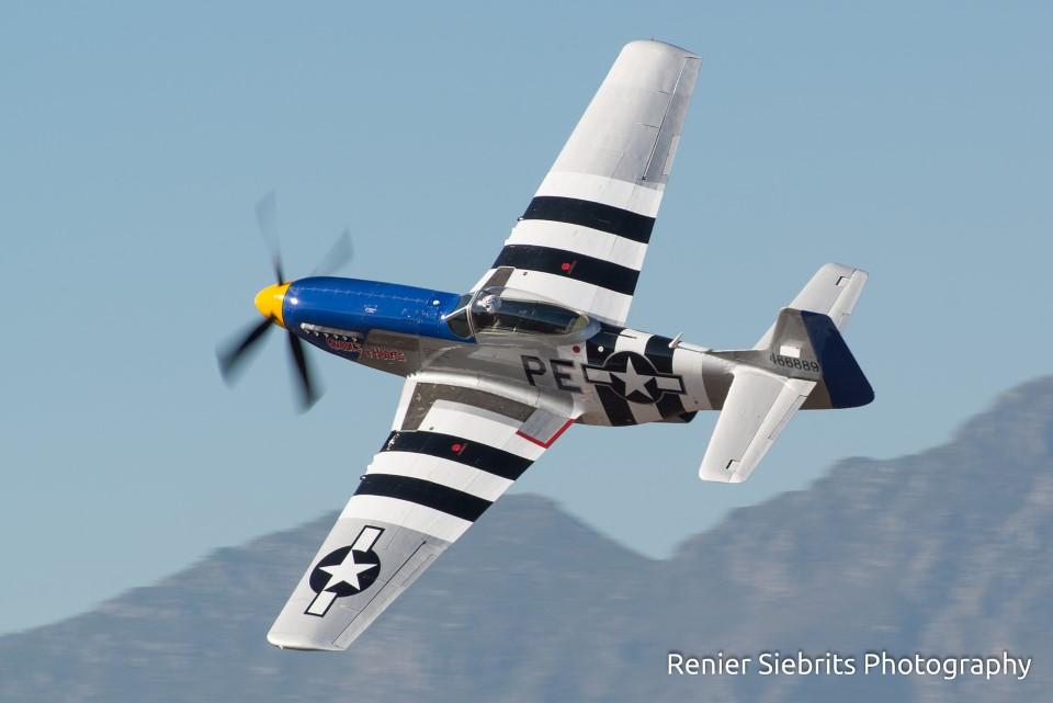 16593916383_3d8bdd60c9_h fashkosh 2015 stellenbosch flying club airshow mustang