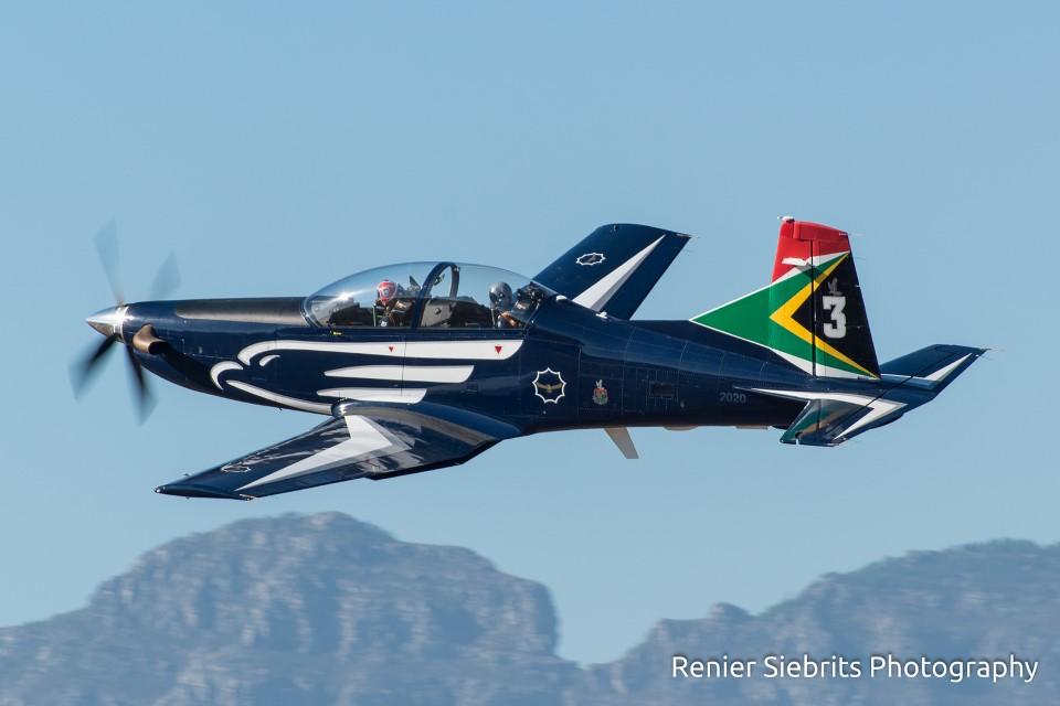 17094815406_68d7fa1581_h fashkosh 2015 stellenbosch flying club airshow