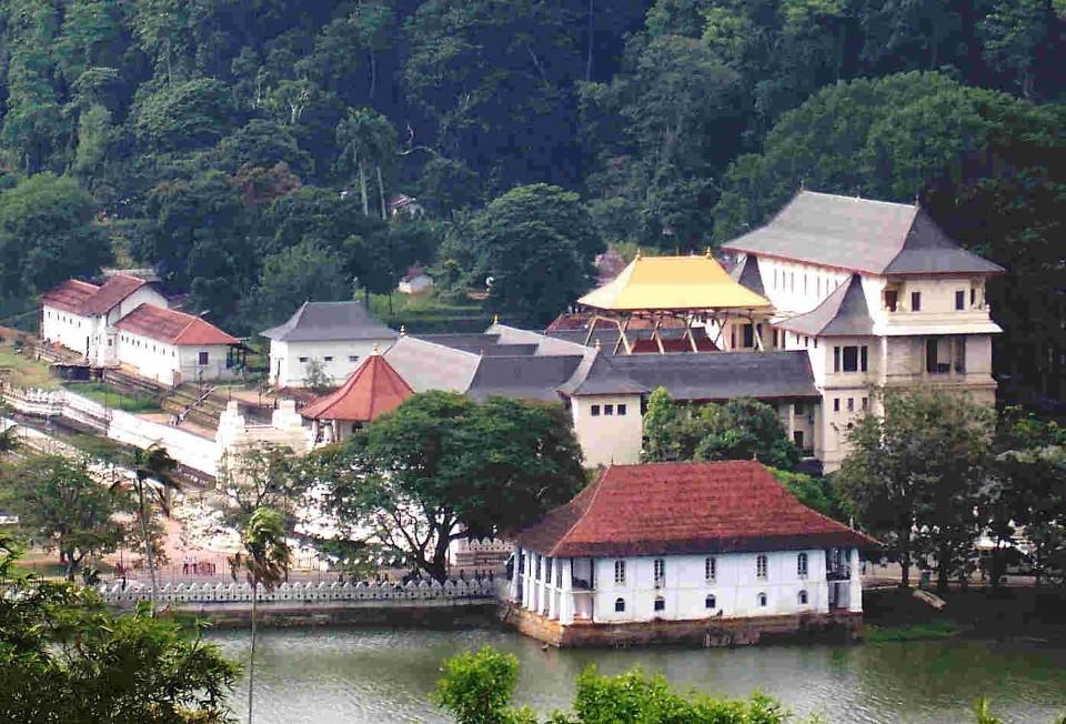 sri lanka kandy buddha temple sri dalada maligawa temple of the tooth 3