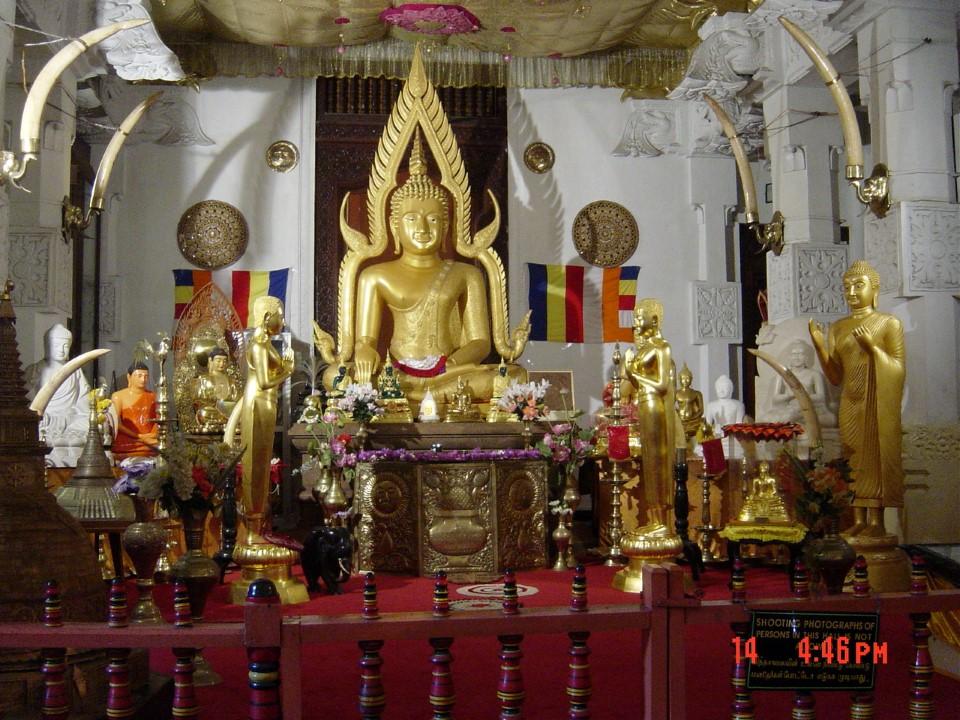 sri lanka kandy buddha temple sri dalada maligawa temple of the tooth 5