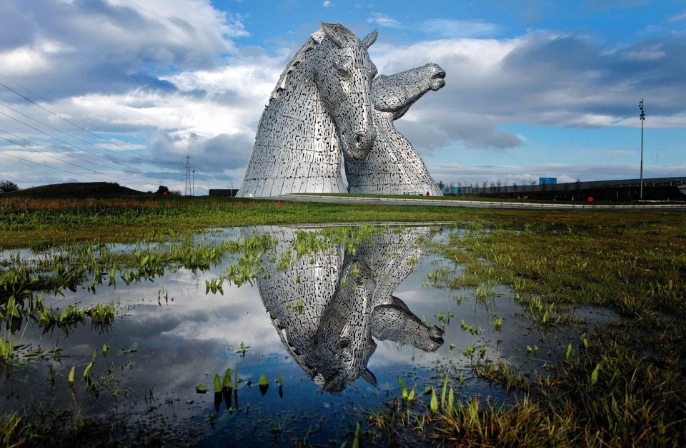 the kelpies equine sculpture statue in falkirk scotland by sculptor andy scott 1