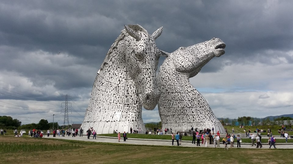 the kelpies equine sculpture statue in falkirk scotland by sculptor andy scott 2