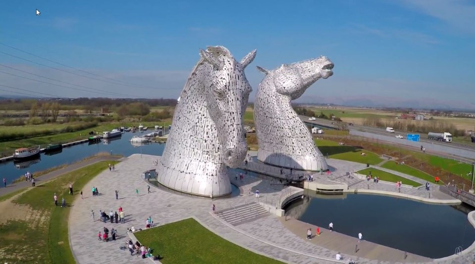 the kelpies equine sculpture statue in falkirk scotland by sculptor andy scott 3