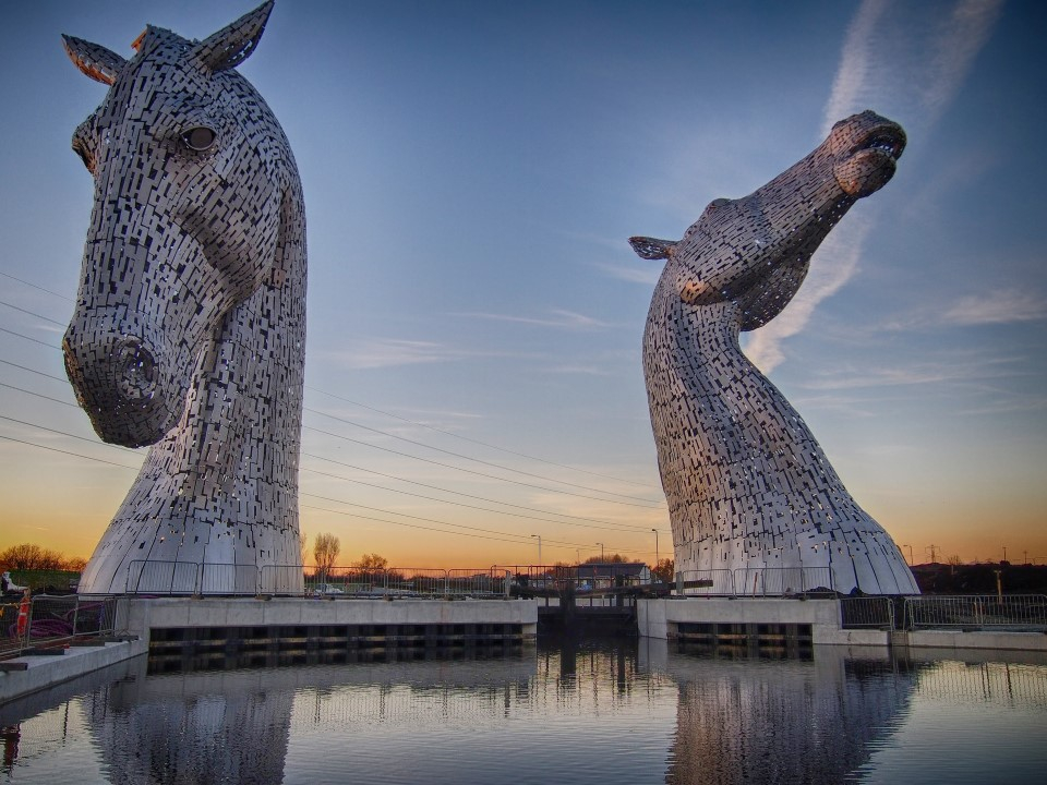 the kelpies equine sculpture statue in falkirk scotland by sculptor andy scott 4