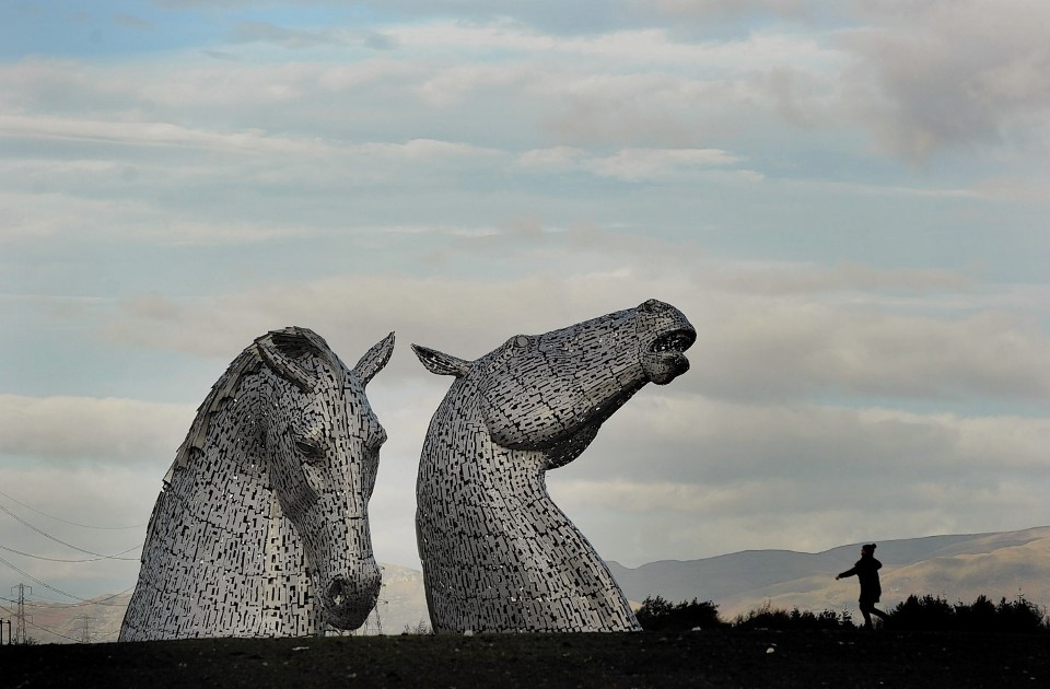 the kelpies equine sculpture statue in falkirk scotland by sculptor andy scott 5
