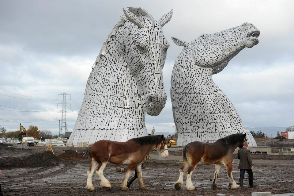 the kelpies equine sculpture statue in falkirk scotland by sculptor andy scott 6