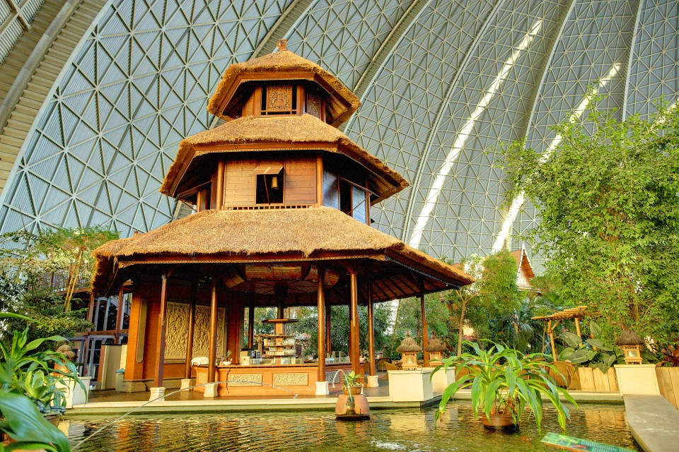 tropical islands world's largest indoor waterpark in germany 8 bali pavillion