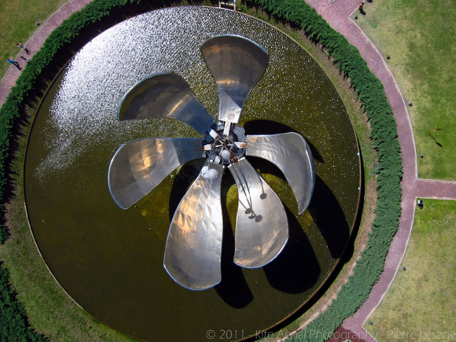 things to see in argentina floralis generica flower sculpture in buenos aires 4