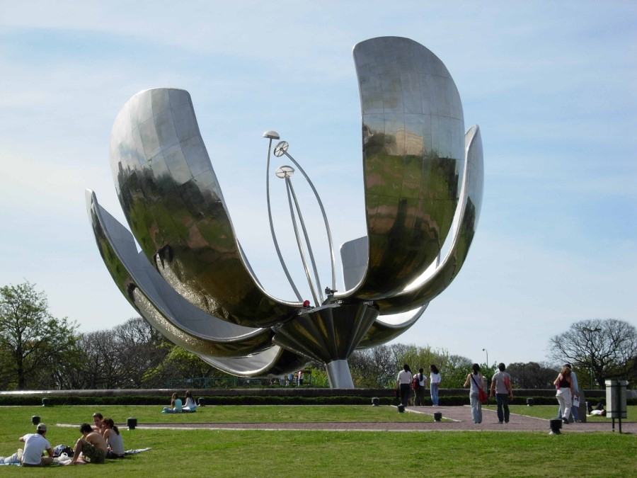 things to see in argentina floralis generica flower sculpture in buenos aires 5