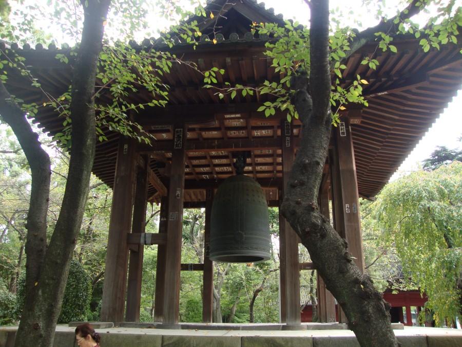 DSC07159 daibonsho big bell at zojoji buddhist temple in shiba, minato, tokyo, japan