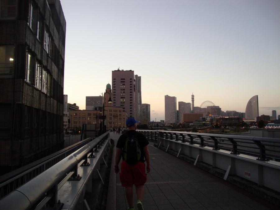 DSC07250 ryan lotter walking along via the kaiko promenade, yokohama, japan