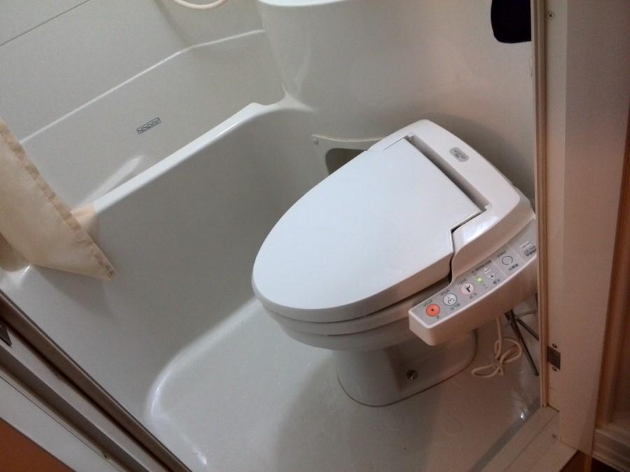 IMG_20141002_013720 yokohama super hotel toilet