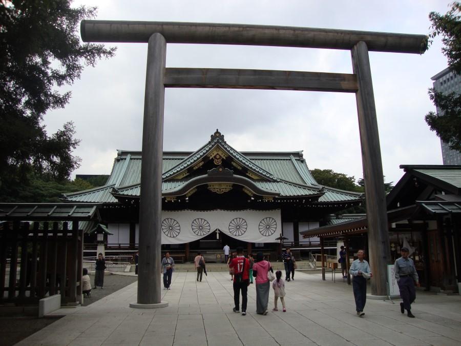 DSC07332 concrete torii gate at yasukuni shrine in chiyoda tokyo japan