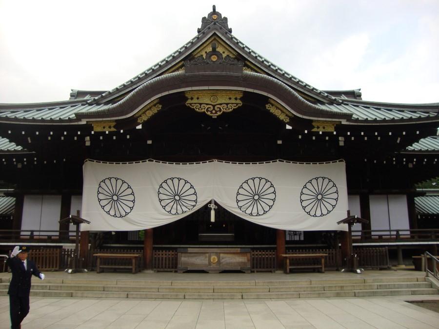 DSC07335 entrance to shinto shrine - yasukuni shrine in chiyoda tokyo japan