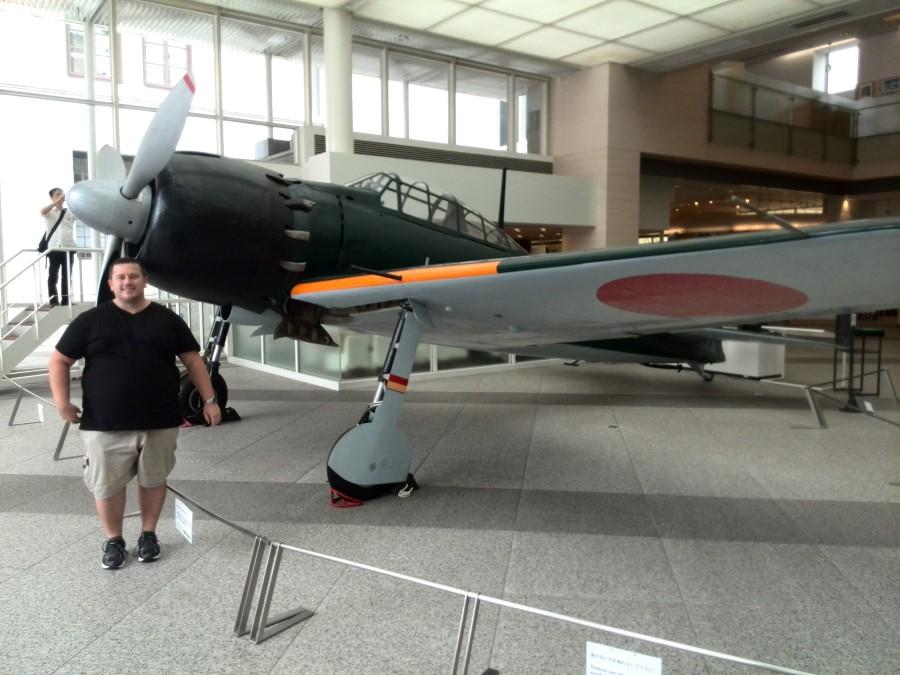 IMG_20141004_123745 craig lotter next to mitsubishi a6m zero figher plane at Yushukan War Memorial Museum