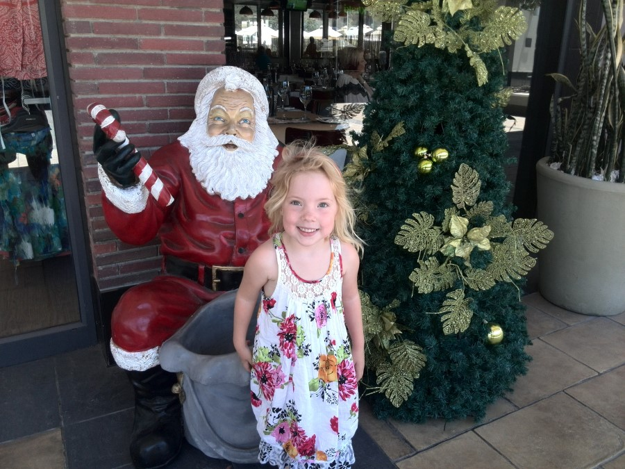IMG_20141130_124716 jessica lotter with father christmas statue at willowbridge mall