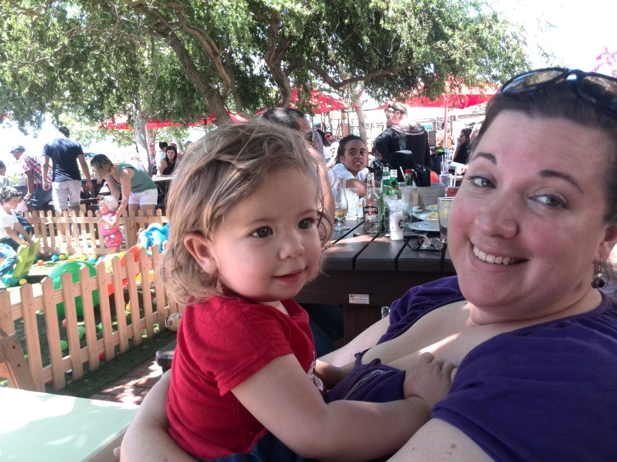IMG_20151018_131454 emily lotter with chantelle at skilpadvlei wine farm restaurant