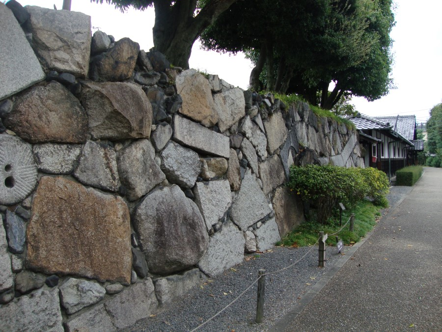 DSC07464 ancient mix and match stone wall in kyoto