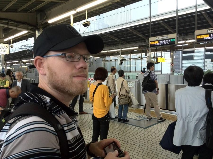 IMG_20141005_095634 ryan lotter waiting for the shinkansen bullet train at yokohama train station