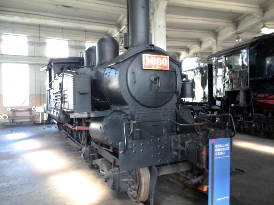 IMG_20141007_124100 black train at umekoji steam locomotive museum, kyoto, japan
