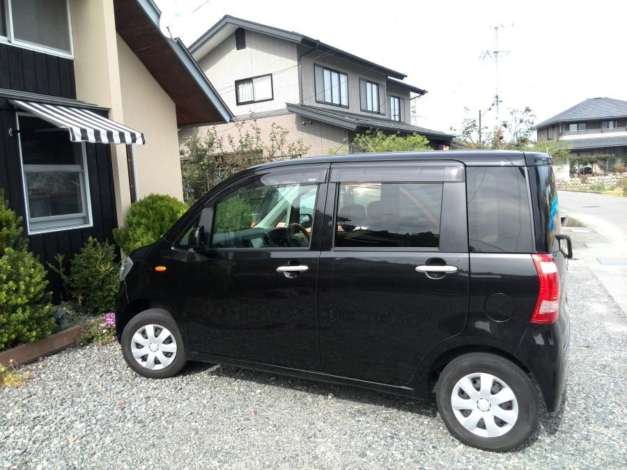 IMG_20141010_132036 terrance brown's car parked at good life cafe in Iida, nagano, japan