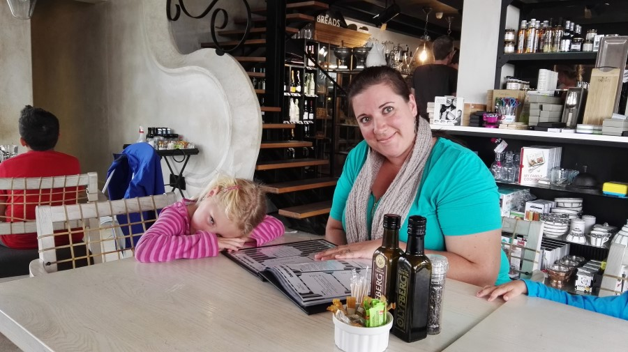 IMG_20160313_164646 chantelle lotter with jessica at tredici restaurant, bakery, coffee shop in swellendam