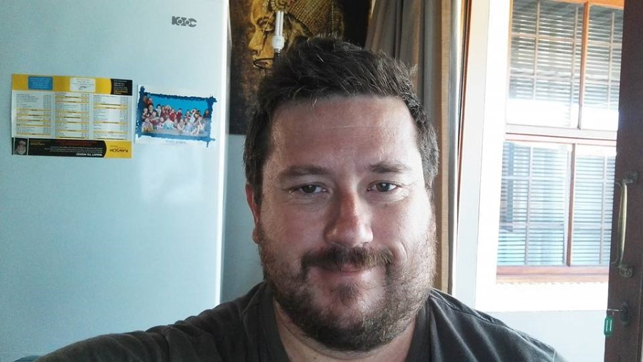 bearded man with a mumps face 1