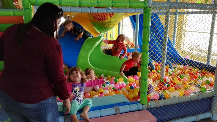 Kidz corner indoor play center in strand 2016 04 02 an for Indoor play slide