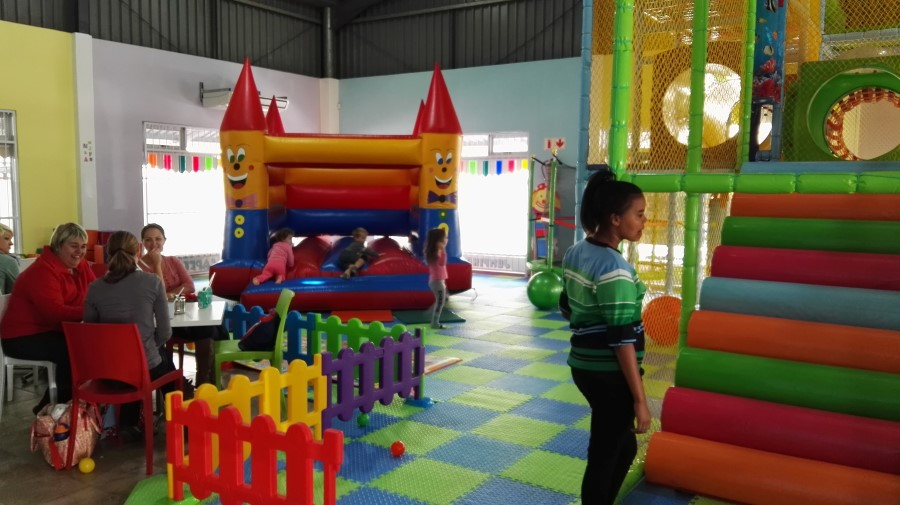 IMG_20160402_125253 play area at kidz corner indoor play center in strand