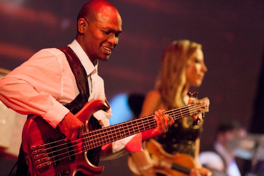 amadeus rocks barnyard theatre willowbridge durbanville bass guitar