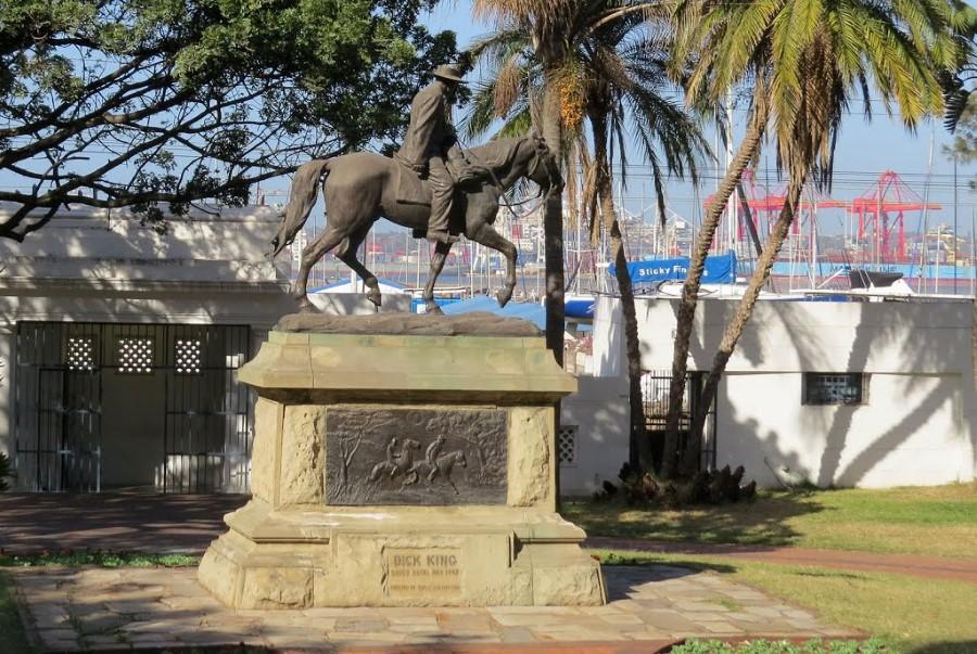 richard dick king statue victoria embankment esplanade durban 3