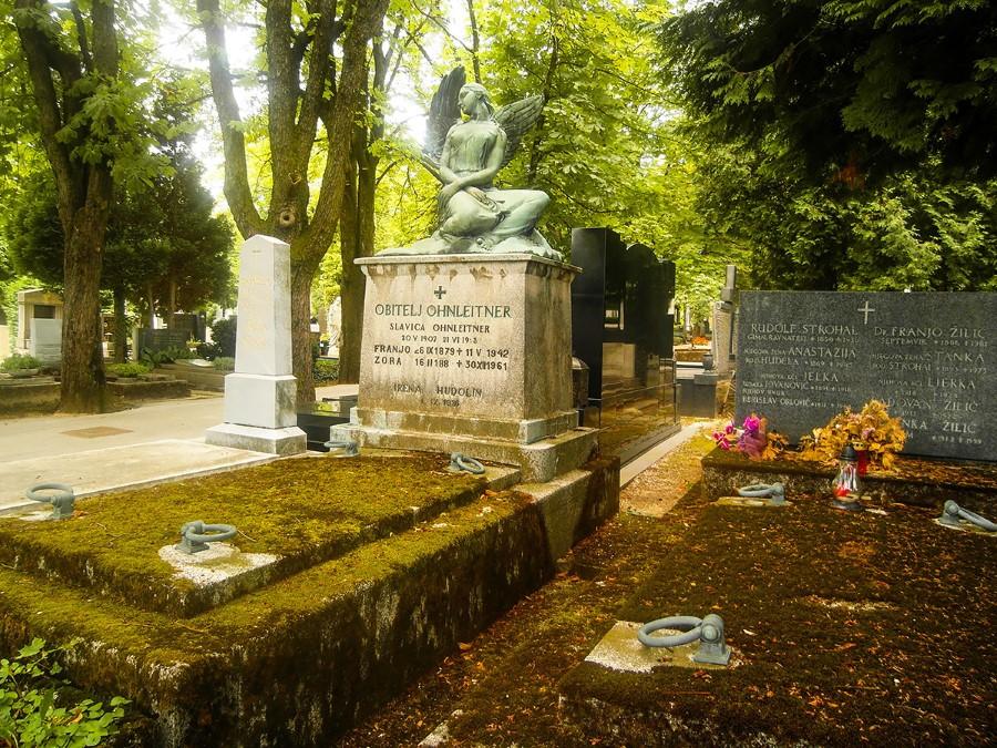 beautiful-mirogoj-cemetery-in-zagreb-croatia-7