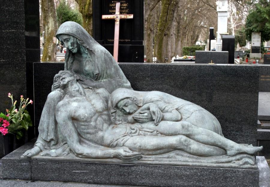 beautiful-mirogoj-cemetery-in-zagreb-croatia-9