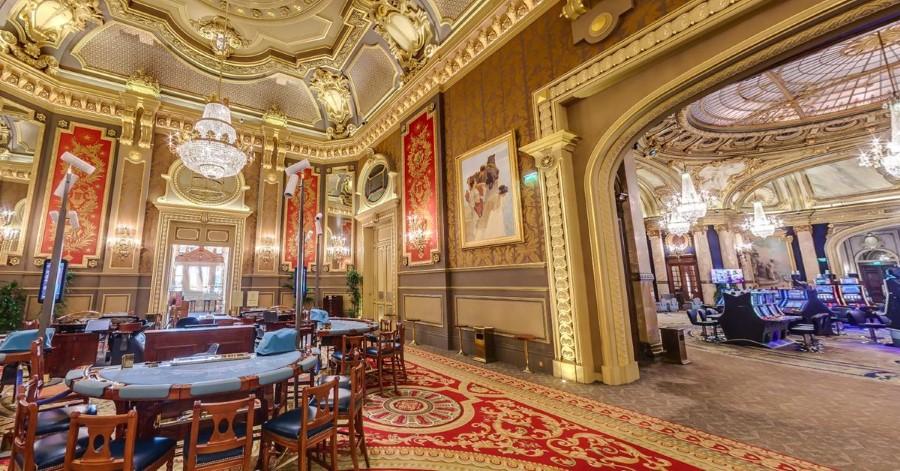 gambling-at-the-monte-carlo-casino-in-monte-carlo-monaco-07
